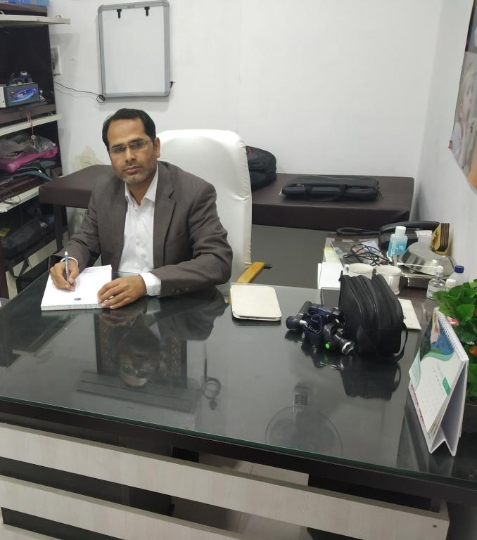 Dr.Rakesh Maran